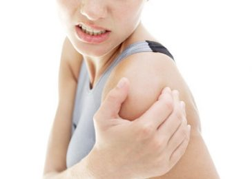 Shoulder Bursitis – Causes, Symptoms, and How to get rid of it
